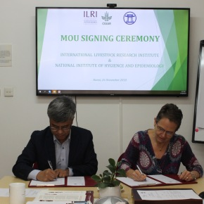 NIHE–ILRI agreement to deepen cooperation in research for development inVietnam